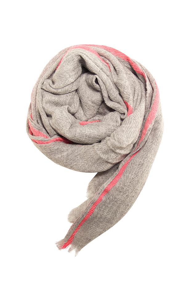 Skønt tørklæde specielt designet støtte af Kræftens Bekæmpelse, 499,- kr
