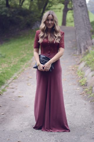 Gulvlang bordeaux kjoledrøm