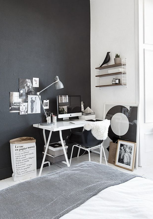 black-and-white-home-office-corner.-le-sac-en-papier.-from-ollies-and-sebs-haus