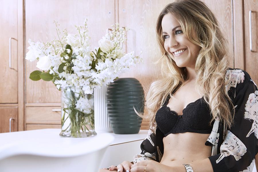 Emily Salomon i My Amourette undertøj Triumph