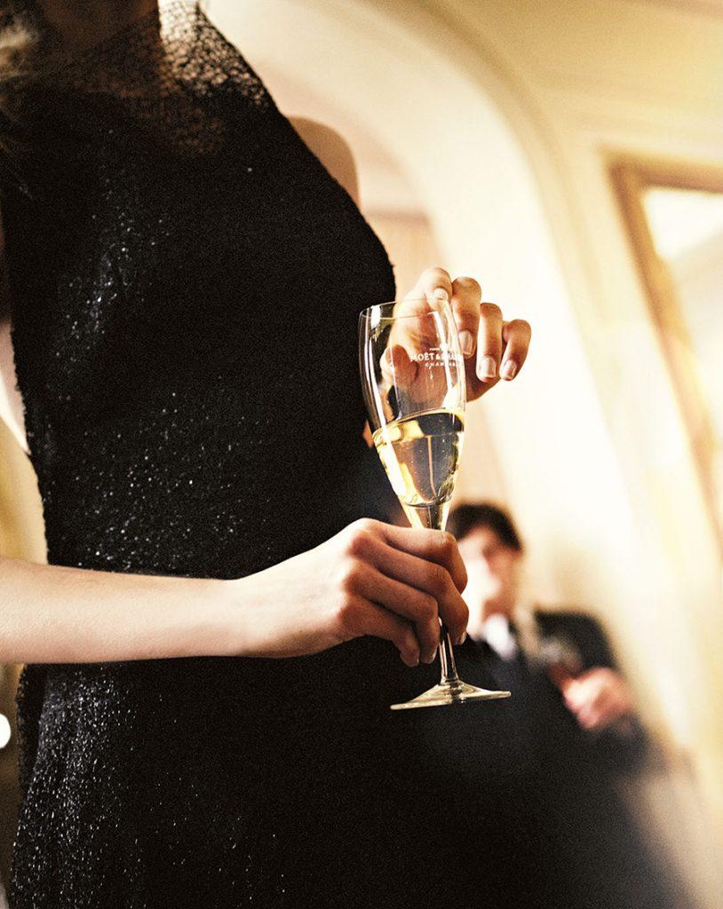 champagneglas_i hånd