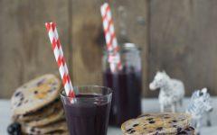 Blåbærpandekager og smoothie