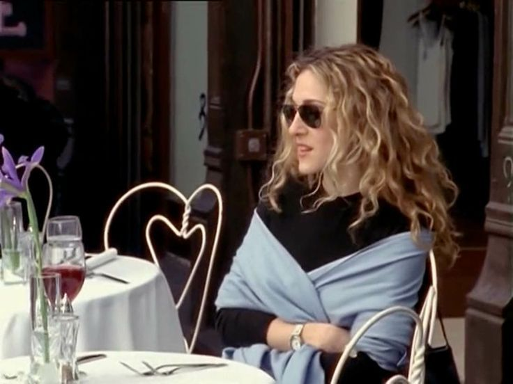 carrie-cafe-alone