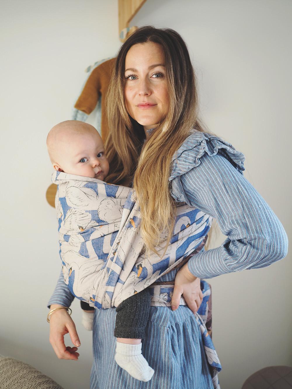 mor med barn i vikle