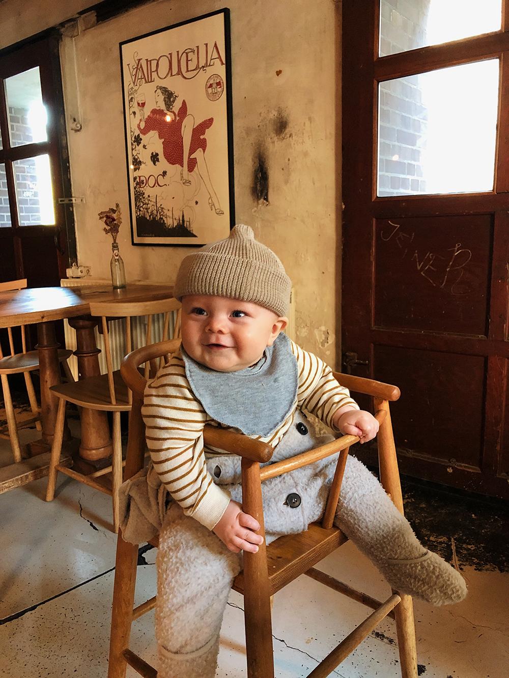 baby på restaurant