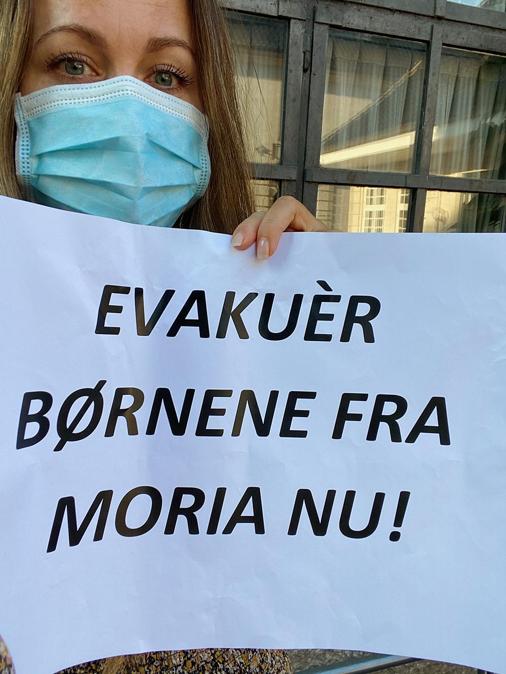 demonstration for børnene i moria